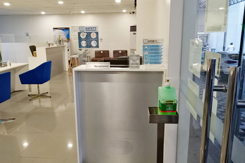 hca-gallery-service-reception-entrance